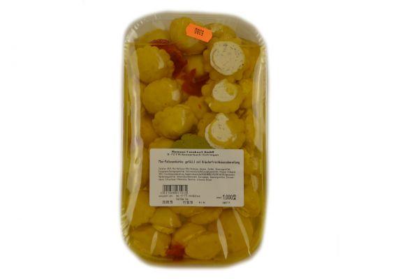 Mini-Patissonkürbis gefüllt mit Kräuterfrischkäse