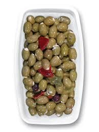 Oliven grün gefüllt mit Kräuterfrischkäse